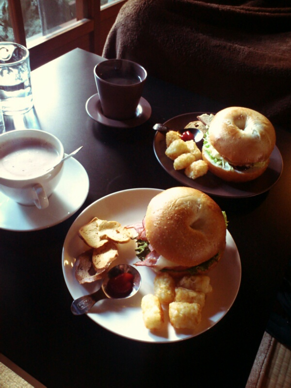カフェとアゴとカバンと坊_a0235880_13205025.jpg