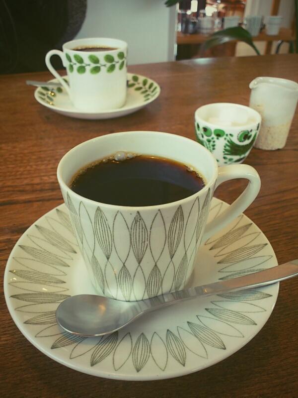 カフェとアゴとカバンと坊_a0235880_1320504.jpg