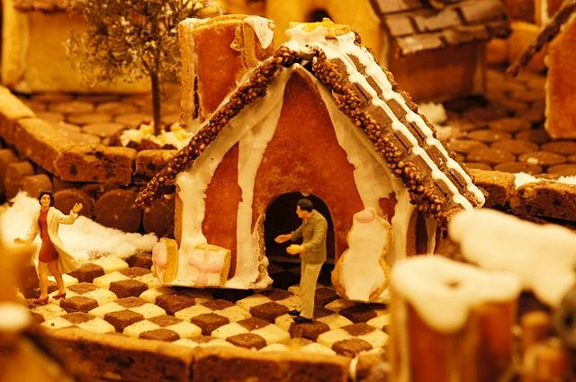 無印良品にはクリスマスのお菓子の家のジオラマが~♪_b0145398_9364686.jpg