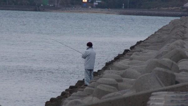 釣り人_e0166355_7445475.jpg