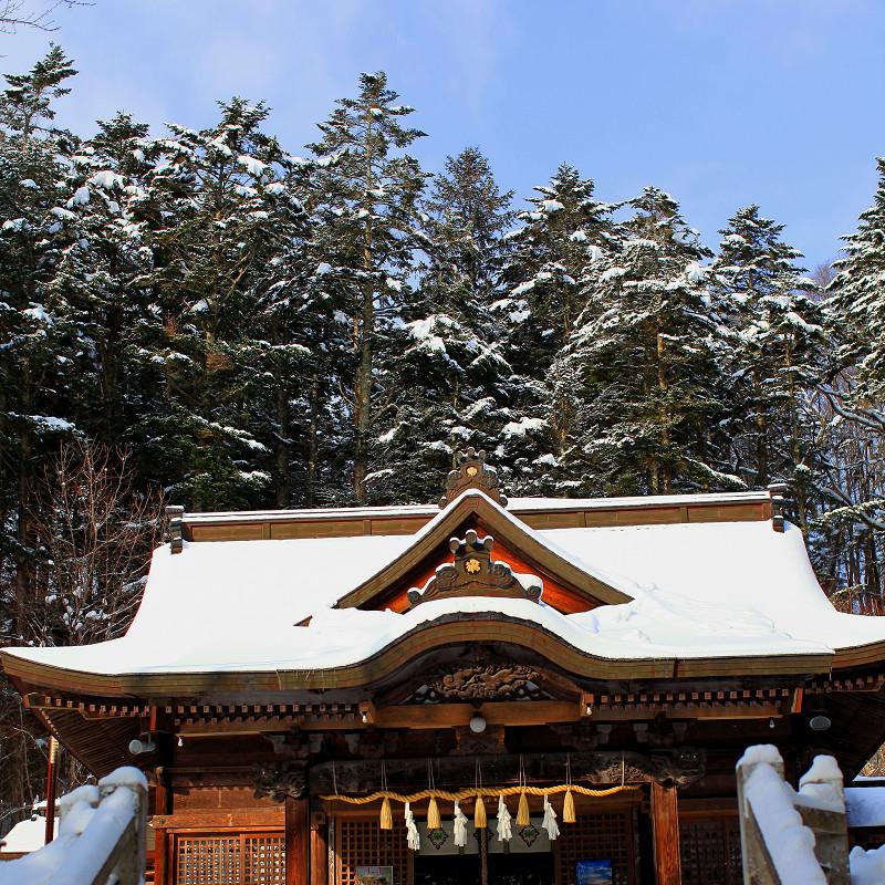 神札をいただきに義経神社へ _a0160581_820068.jpg