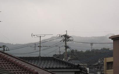 平成24年大みそか。早朝、一時錫山は雪で白くなる_e0130185_17233975.jpg