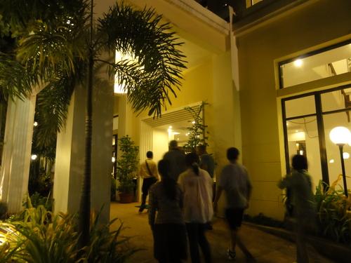 カンボジア舞踊_d0208589_21511332.jpg
