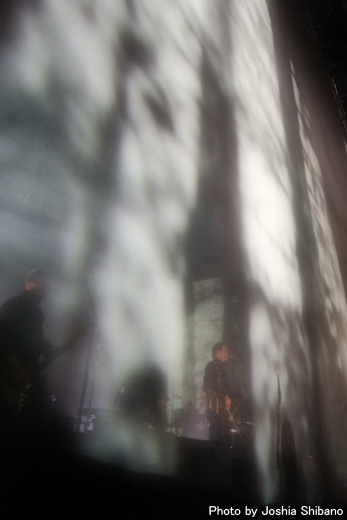 新春スペシャル!シバノ・ジョシア撮り下ろしシガーロス、アイスランド公演!_c0003620_23351089.jpg