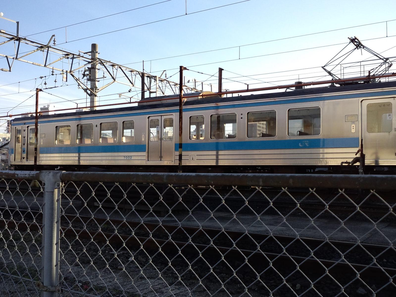 松山運転所で朝ビラ_d0155415_8502033.jpg