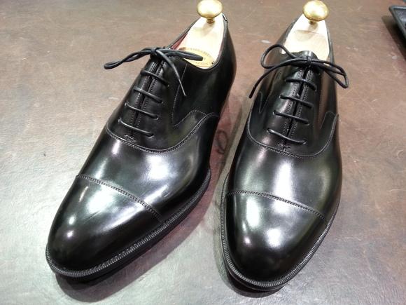 靴から物語が生まれます~お手入れ道具にも物語が~_b0226322_15273182.jpg
