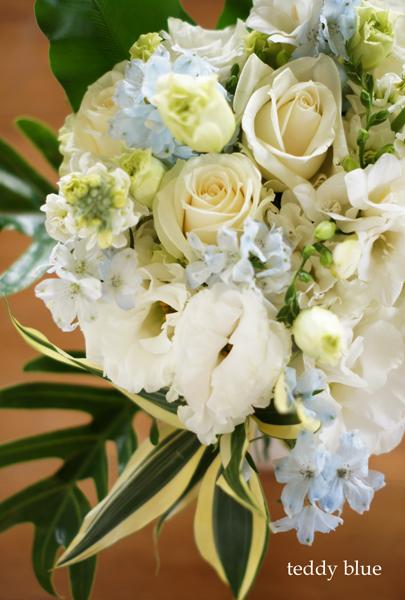 something blue flower bouquet  ハッピーフラワーブーケ_e0253364_2212417.jpg