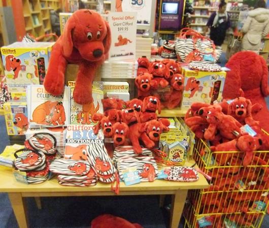 NY生まれのワンちゃんの人気絵本キャラクター Clifford the Big Red Dog_b0007805_12411520.jpg