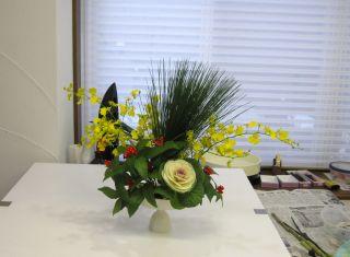 万年青で生ける新春の花_c0165824_124785.jpg