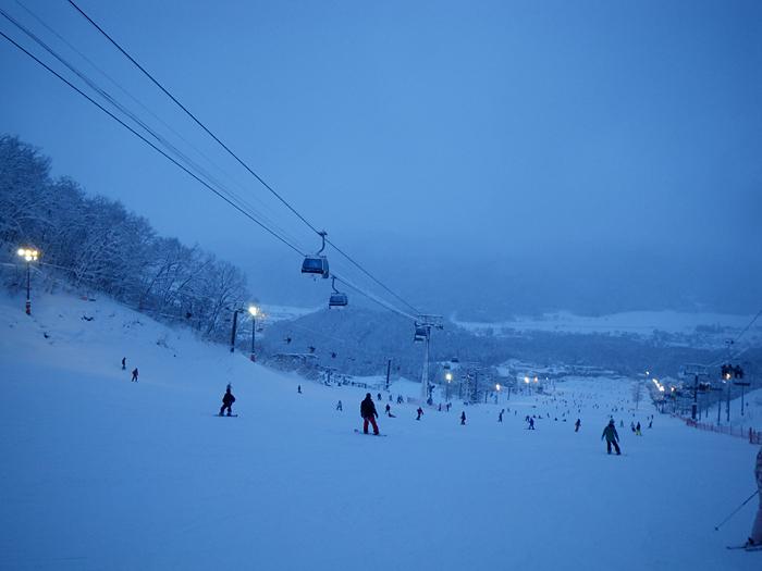 雪遊び満喫 頂上は真っ白け_c0120834_20102066.jpg