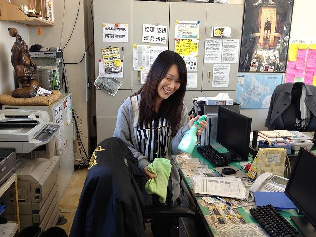 ランクルTOMMY Jrブログ(=^・・^=) T様ランクル100、A様アイシスご成約!!_b0127002_1962061.jpg