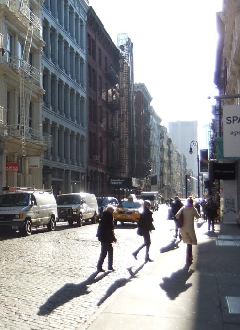 冬の陽射しに包まれたニューヨークSOHOの街並み_b0007805_20414684.jpg