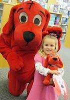 NY生まれのワンちゃんの人気絵本キャラクター Clifford the Big Red Dog_b0007805_2154750.jpg