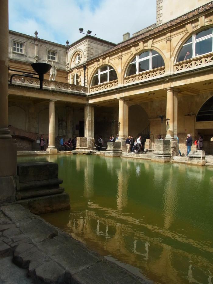 ローマ時代の浴場 ローマンバス(The Roman Baths)_d0116009_1137339.jpg