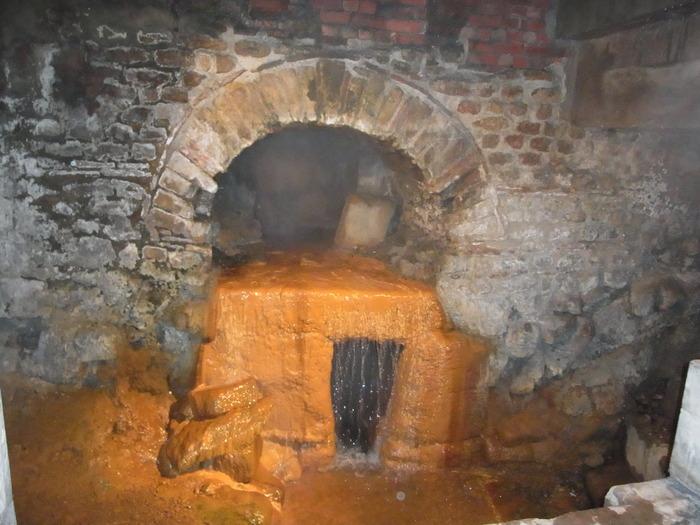 ローマ時代の浴場 ローマンバス(The Roman Baths)_d0116009_1154419.jpg