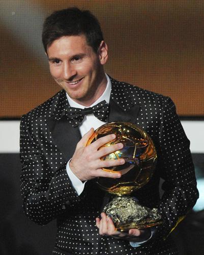 A Happy New Messi: メッシ4年連続バロンドール!【最も幸福な人とは最も多くの人に幸福をもたらす人】_e0171614_10564580.jpg