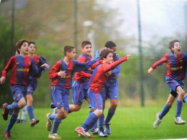 A Happy New Messi: メッシ4年連続バロンドール!【最も幸福な人とは最も多くの人に幸福をもたらす人】_e0171614_12301219.jpg