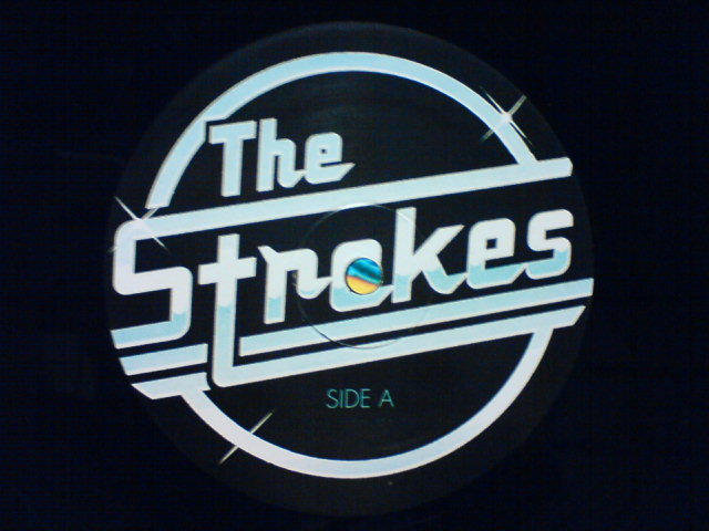 Is This It / The Strokes_c0104445_073410.jpg