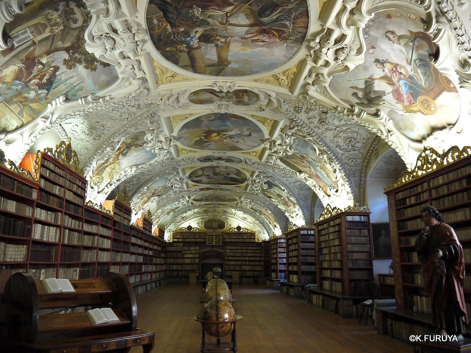 プラハ 1  ストラホフ修道院_a0092659_22114213.jpg