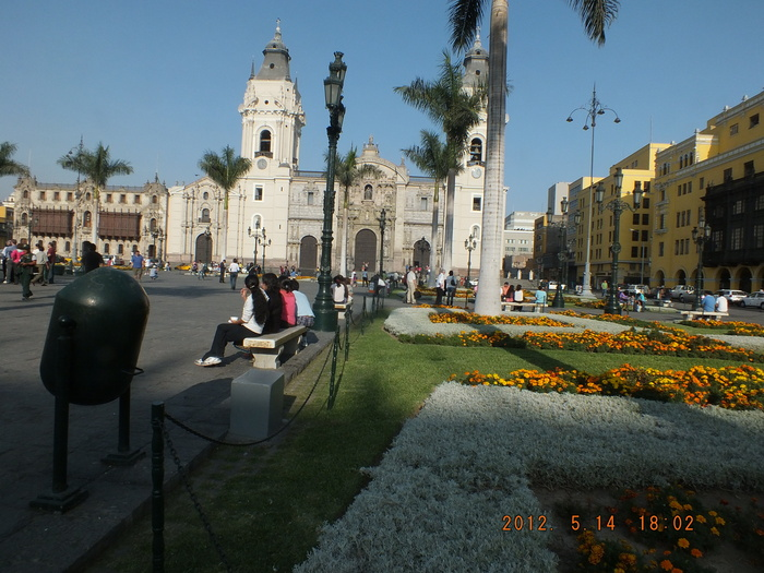 リマ市街フォト・スケッチ-2 / Photo sketches of Lima-2_e0140365_2143921.jpg