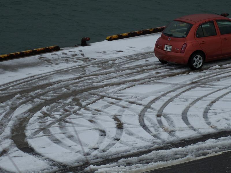 冬の港町_e0082981_23595450.jpg