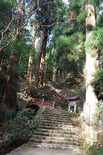 室生寺・龍穴神社_c0124100_1173215.jpg