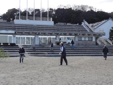 「2013新春里海まつり」のとんど準備 in  せんなん里海公園_c0108460_18114674.jpg