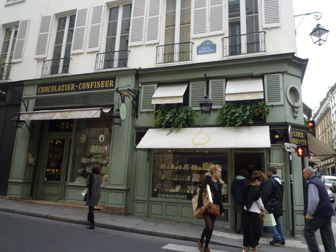 新年最初の日曜日 Epiphany 2013 主の公現(こうげん)@ Ladurée  Bonaparte +MOMI-Paris。.☆*† _a0053662_23335724.jpg