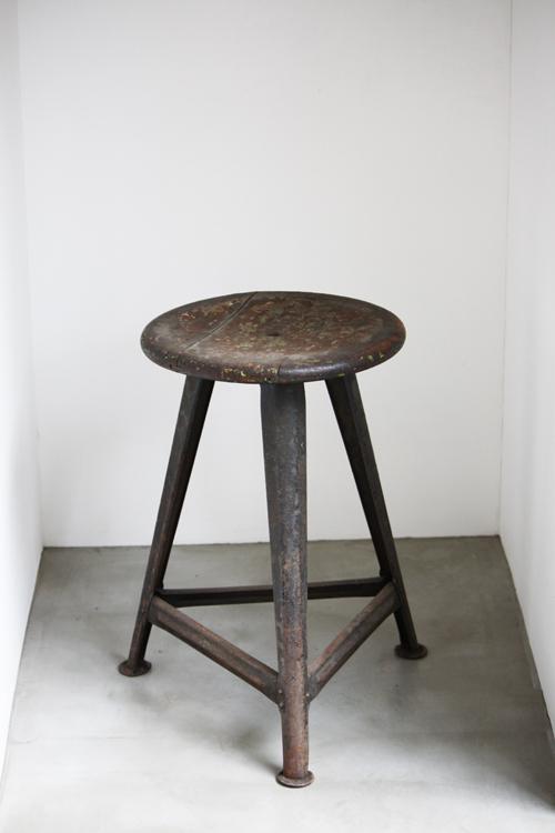 『Bauhaus  stool』_f0192906_1911519.jpg