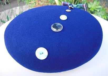 帽子作り体験教室参加作品 ☆オールブルー系の惑星ベレー☆_d0189661_1720217.jpg