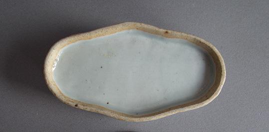 李朝台皿と色絵の香炉_e0111789_11152974.jpg
