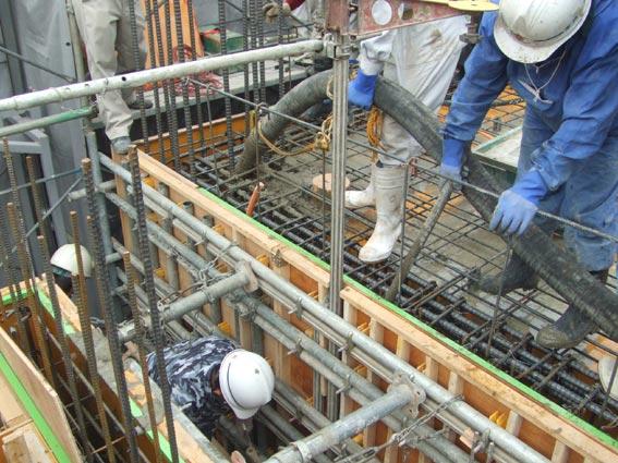 TKプロジェクト 5階壁6階床コンクリート打設_a0147436_1611860.jpg