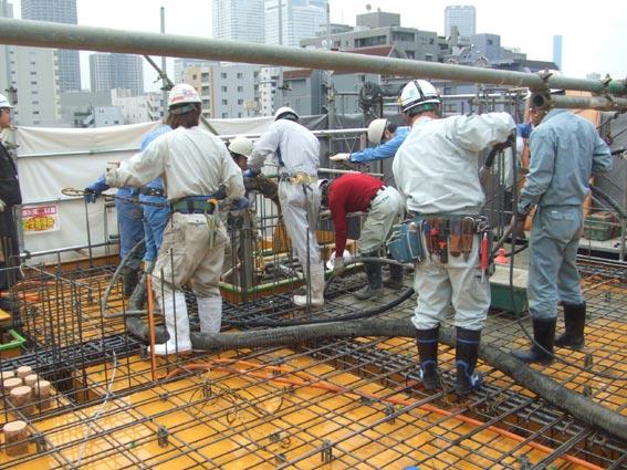 TKプロジェクト 5階壁6階床コンクリート打設_a0147436_1611895.jpg