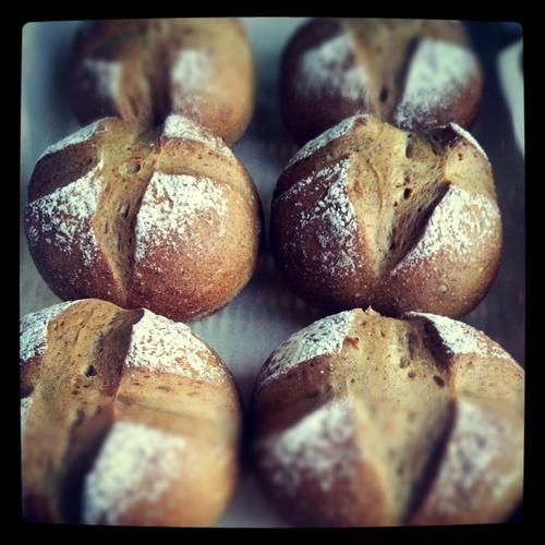 明日の天然酵母パンとスイーツ | achipan design_a0123451_23543263.jpg