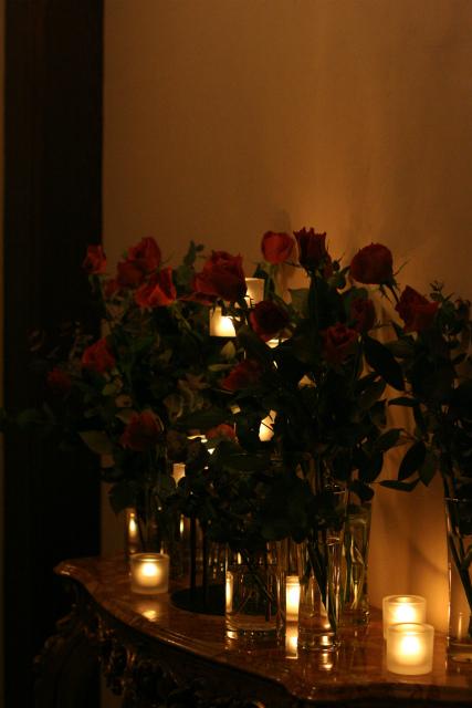 ワインレッドの冬の装花 シェ松尾青山サロン様へ_a0042928_17105979.jpg