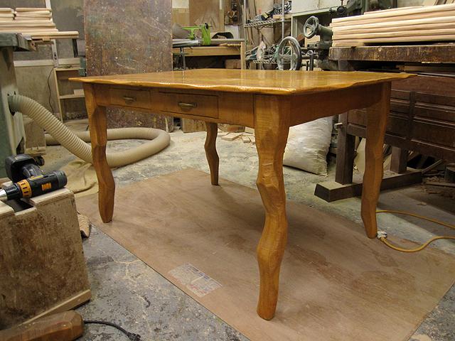 椅子とテーブルの修理_e0072513_16412668.jpg