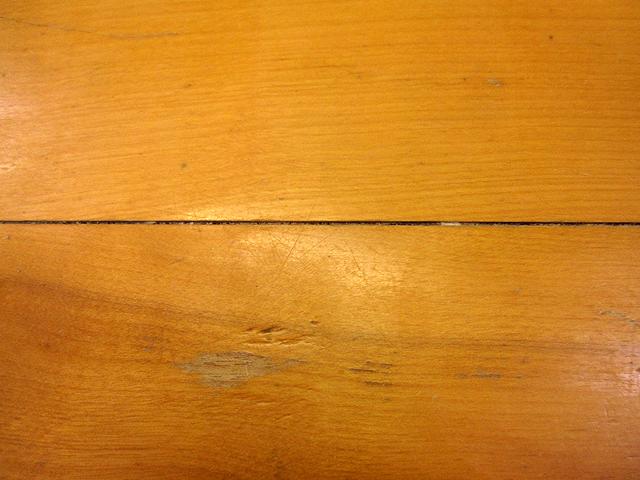 椅子とテーブルの修理_e0072513_1643215.jpg