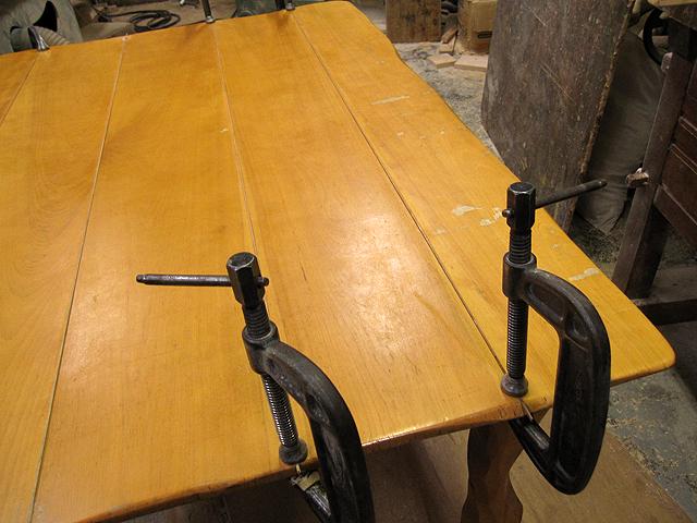 椅子とテーブルの修理_e0072513_16472259.jpg