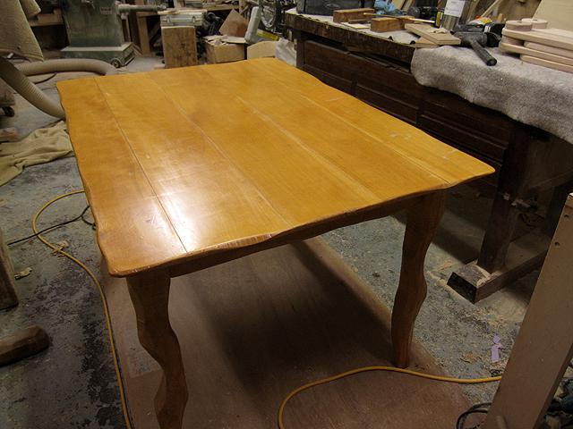 椅子とテーブルの修理_e0072513_16481223.jpg