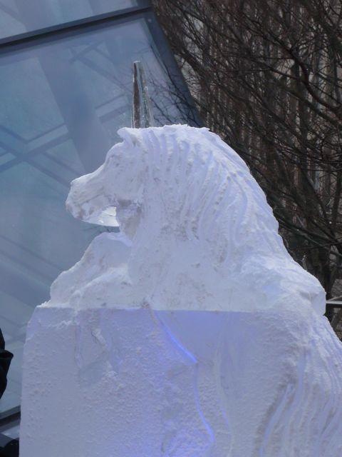 氷の彫刻とテートモダン_f0096017_1436833.jpg
