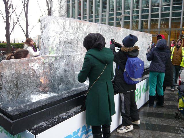 氷の彫刻とテートモダン_f0096017_1439458.jpg