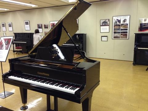 100年前のピアノ♪_b0115751_21162383.jpg