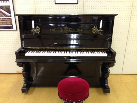 100年前のピアノ♪_b0115751_21175485.jpg