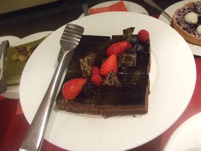 パレスホテル大宮 パルテール チョコレートスイーツブッフェ_f0076001_2326845.jpg