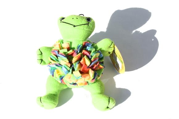 Fleecy Squeaks Dog Toy Frog フリーシー スクイーカー ドッグトーイ  フロッグ_d0217958_1913445.jpg