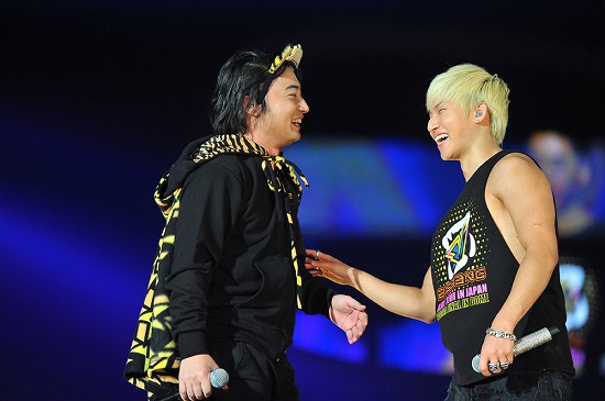 BIGBANG ワールドツアー日本公演最終日にジャンポケ斉藤扮するU.ZAIがサプライズ登場_e0197970_15224057.jpg