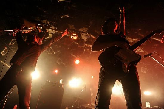 バイザラウンドが自主企画でcinema staff、真空ホロウと共演。国民的エアーバンドのコピーも_e0197970_16145045.jpg