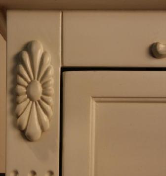 エレガントなホワイトカラーの輸入家具ご紹介~_f0029571_19581120.jpg