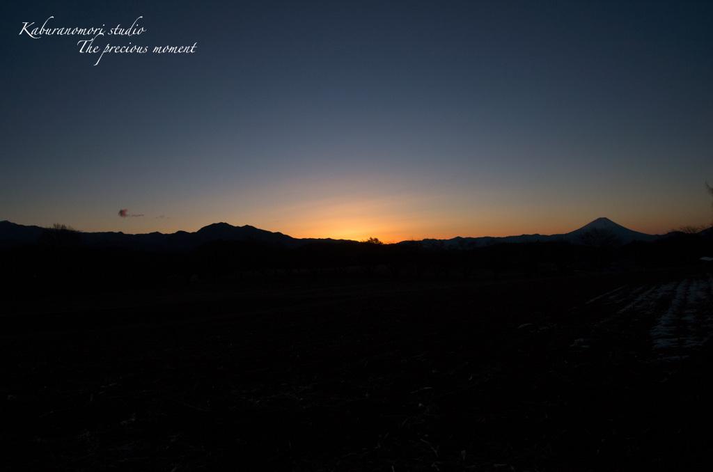 夜明け前の美しさ_c0137403_1714612.jpg