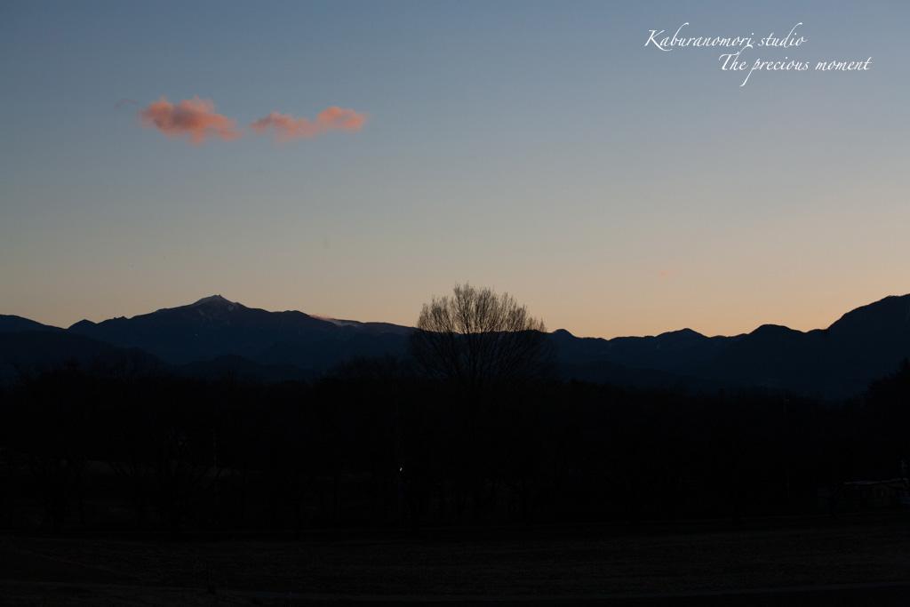 夜明け前の美しさ_c0137403_17155790.jpg